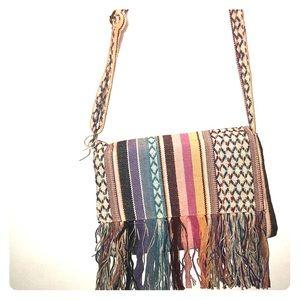 Handbags - ⭕️2/$20- Cute vintage boho fringe bag